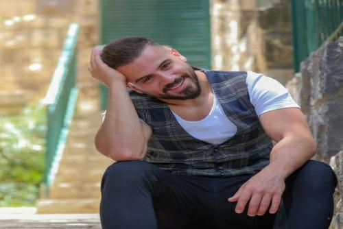 Eyad Tannous - El 3en 3aleha 7ares